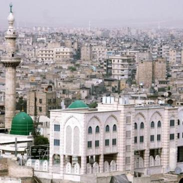 صورة شاملة لحلب من فوق تعود لسنة 2007، أي قبل أربع سنوات من بداية الأزمة السورية.