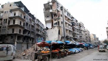 تقدم الجيش السوري مدعوما بروسيا في ريف حلب الشمالي عقد الوضع أكثر ووتر العلاقات بشكل أكبر مع الجارة تركيا، التي تتخذ موقفا معاديا للرئيس السوري بشار الأسد. وهو ما يفتح الوضع في المدينة ومحيطها على كل الاحتمالات.