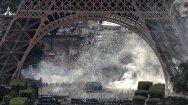 Clashes underneath Eiffel tower near fan zone